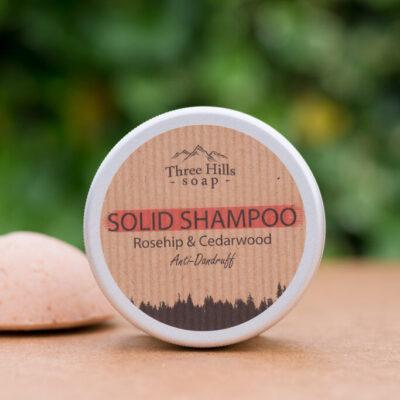 three-hills-soap-kõõmavastane-tahke-šampoon-kibuvits-seeder-anti-dandruff-solid-shampoo-rosehip-cedarwood