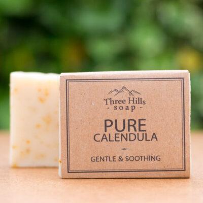 THS-121-three-hills-soap-õrn-ja-rahustav-saialilleseep-gentle-and-soothing-pure-calendula-soap