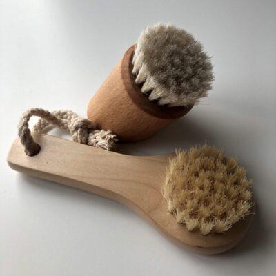 croll-denecke-hari-naonaha-koorimiseks-peeling-brush