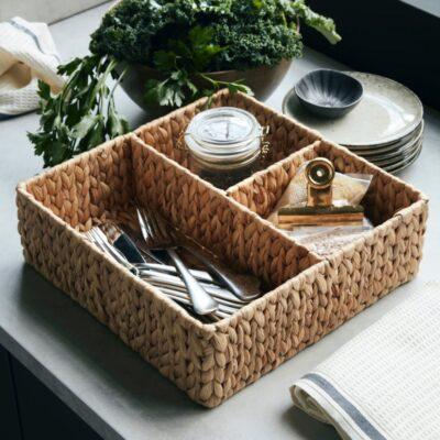 262240200-house-doctor-vesihüatsindist-keskmine-hoiustamiskorv-water-hyacinth-storage-basket-medium