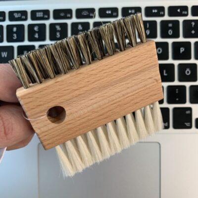 460007-redecker-klaviatuuri-puhastushari-keyboard-cleaning-brush