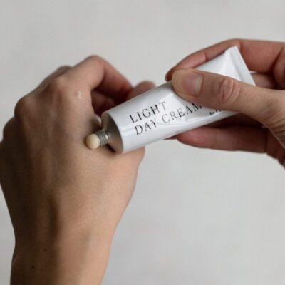 bym0001-by-mukk-kerge-päevakreem-niisutav-ja-tasakaalustav-light-day-cream