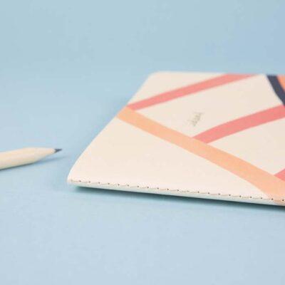 v-015-VENT-for-Change-valge-jätkusuutlik-märkmik-A5-ideas-roosa